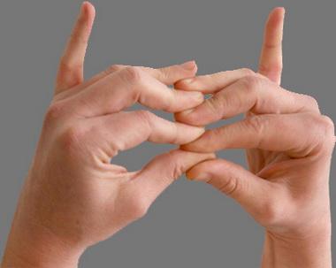 Устранение парадоксальной экстензии пальцев